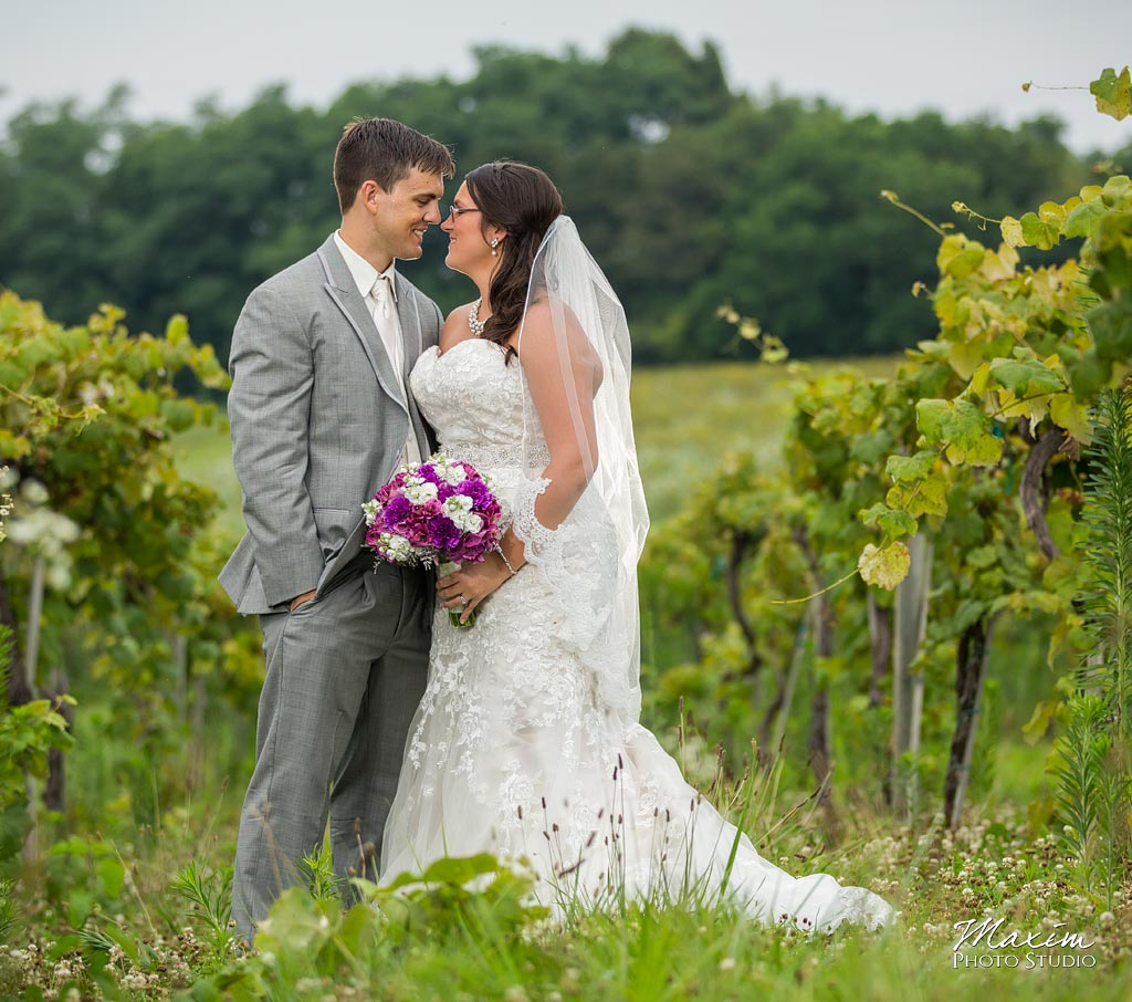 Cincinnati Wedding Photographer: Chateau Pomije Winery Wedding Photography