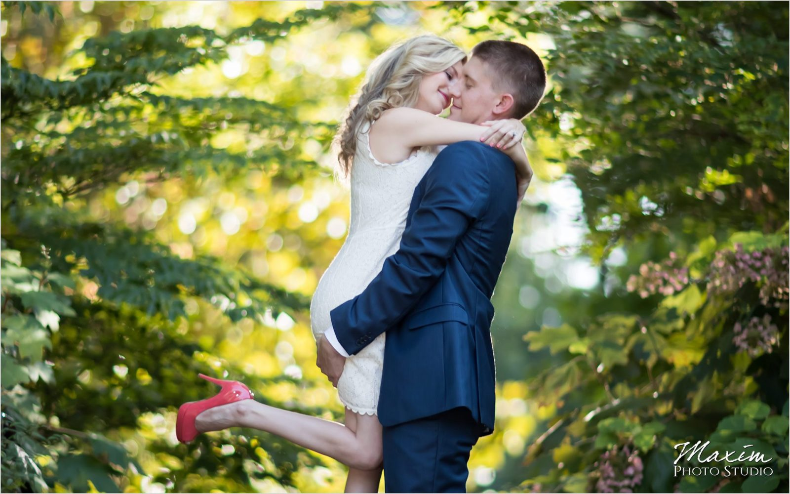 Cincinnati Wedding Photographer Ault Park Engagement