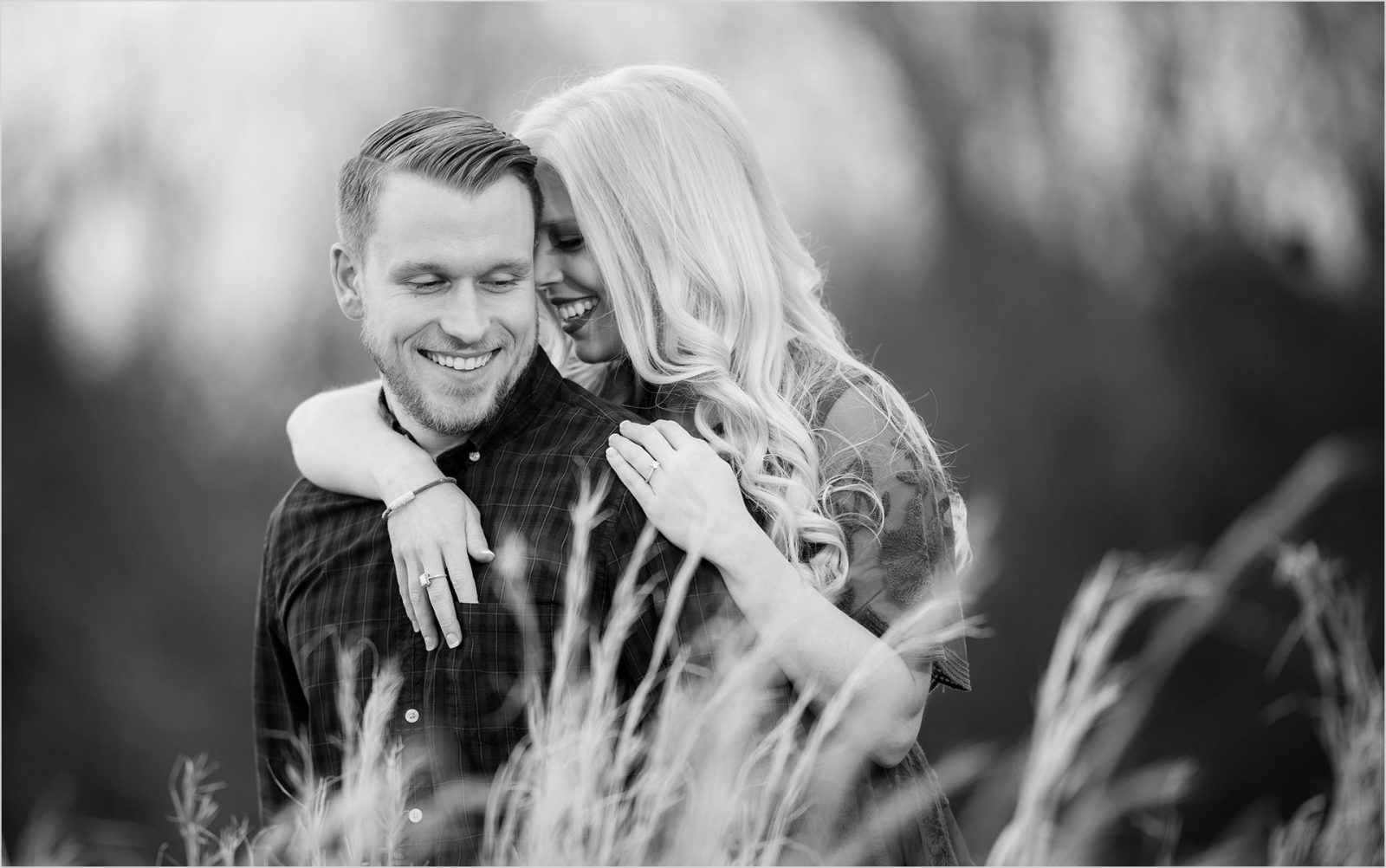 Cincinnati+Wedding+Photographers-Ohio-farm-engagement-ke-20